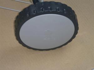 Plastic hubcaps