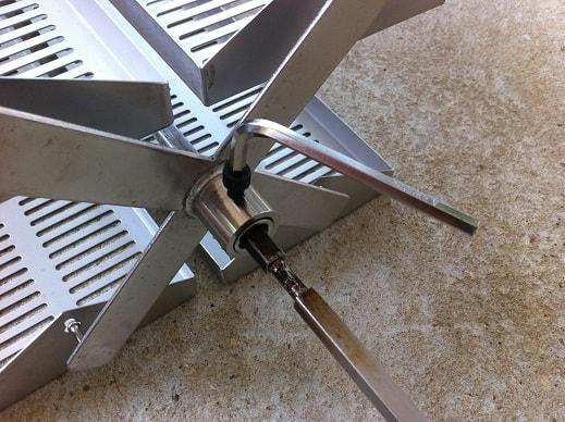 Tighten trays with allen wrench
