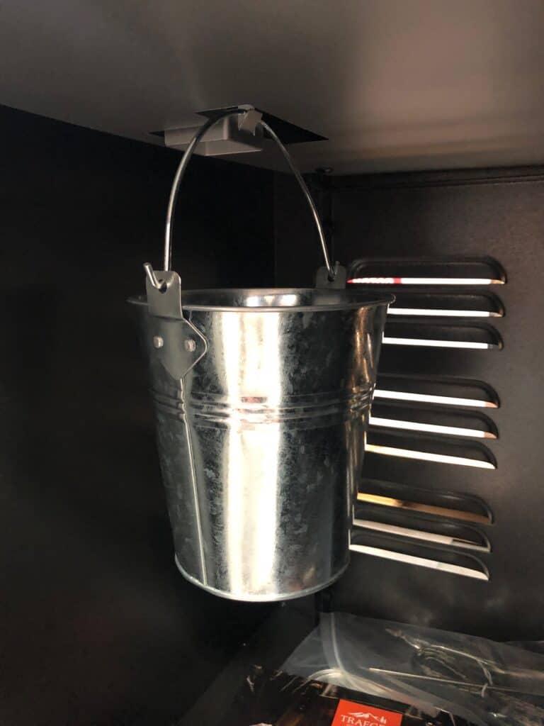 Interior Grease Bucket