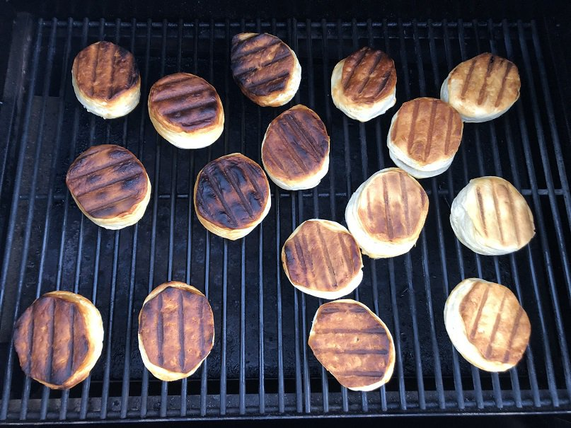 Biscuit test for pellet grill
